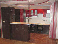 "Кухонный гарнитур ""Красный и черный металлик"" 4.1х1.1х2 метра"