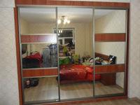 """Шкаф-купе для спальни 3 двери """"зеркало/итальянский орех"""""""