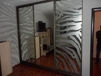 """Шкаф-купе 3 метра, 3 двери """" зеркало/зеркало с нанесением пескоструйной рисунка"""""""
