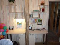 Письменный стол с полками для двоих детей.