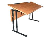 Стол ученический с регулируемым углом наклона.