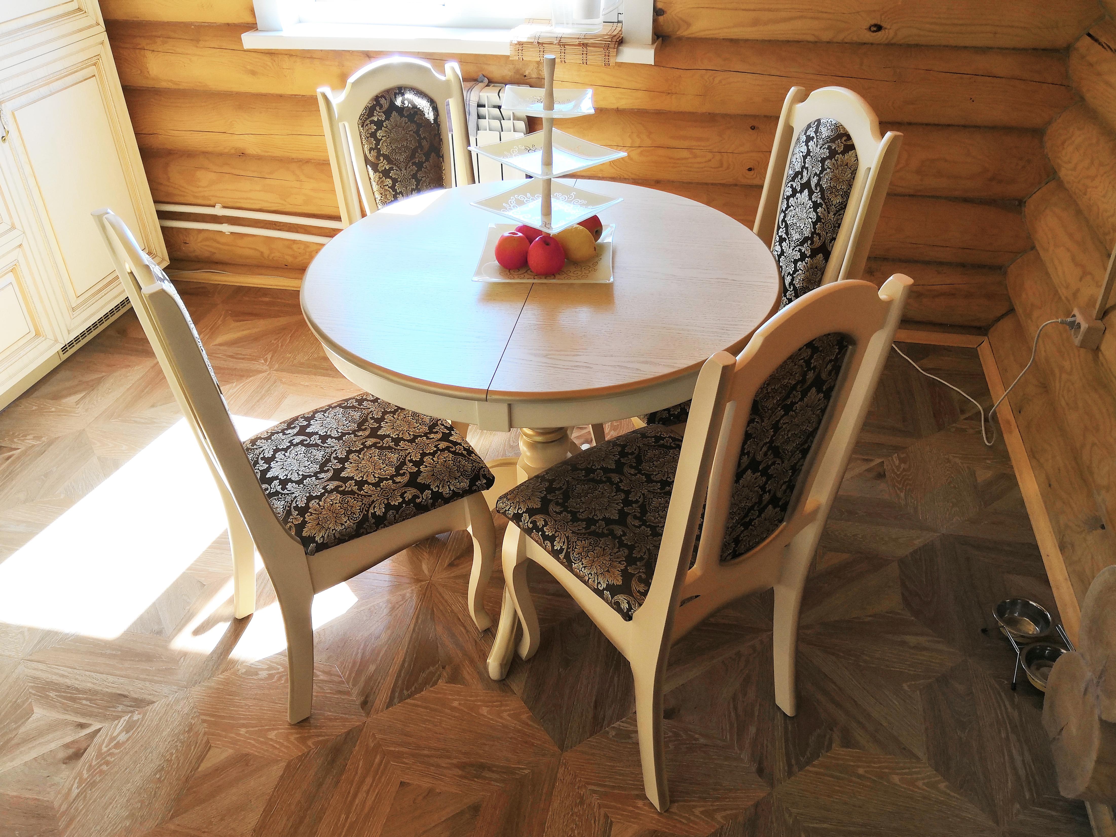 столы и стулья из массива дерева
